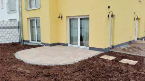 Terrasse mit Trittplatten