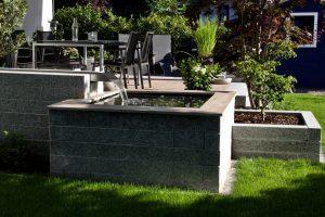 Wasserspiel Terrasse Garten