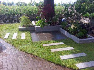 Hochbeet Rollrasen Trittplatten Garten